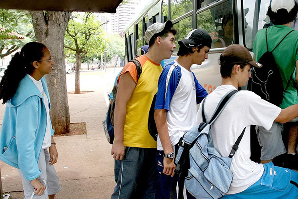 Auxílio transporte para estudantes podem ser solicitado de 18 a 22 de fevereiro