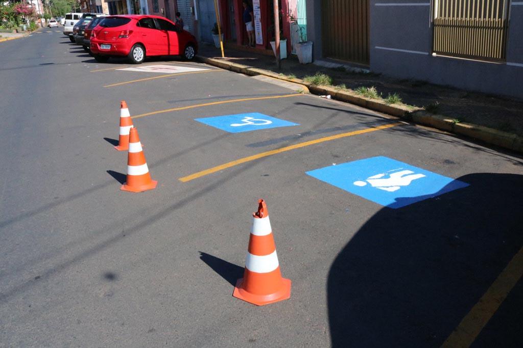 Divisão de Trânsito sinaliza vagas especiais no Centro de Rafard