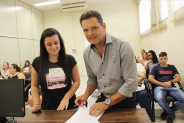 Prefeitura de Monte Mor conta com mais de 20 novos estagiários