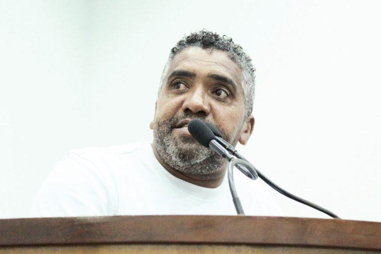 Vereador Jurandir Pinheiro protocola requerimento pedindo informações sobre o saneamento básico nas Zonas Rurais