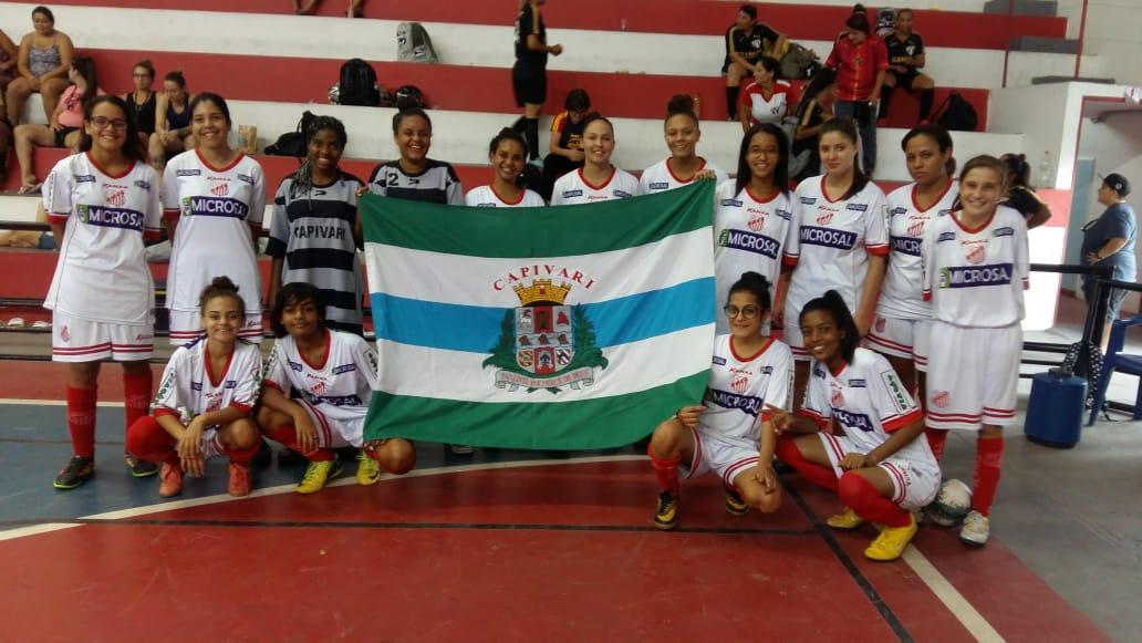 Equipe de Futsal Feminino de Capivari conquista segundo lugar em Torneio