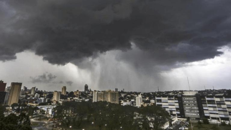 Tempestade se aproxima do interior paulista com ventos de até 60km/h