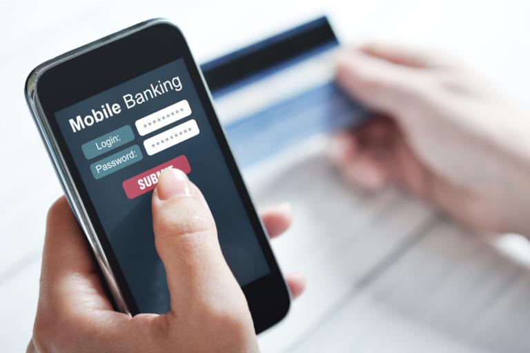 Uso de aplicativos bancários: Uteis, eficientes e seguros.
