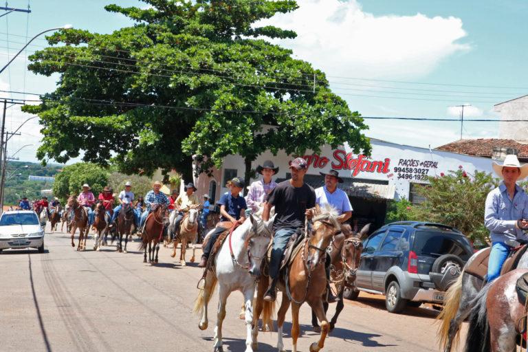Desfile do Cavaleiros dá início as festividades em comemoração aos 54 anos de Rafard