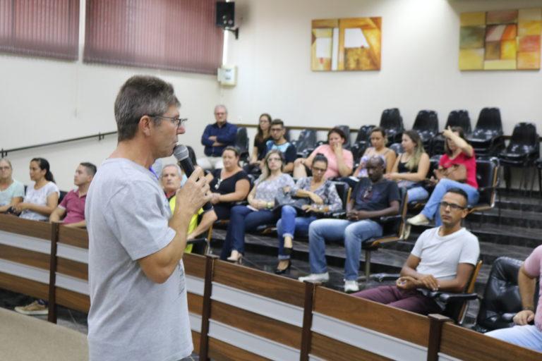 Legislativo e diretores se reúnem para estreitar relações e sanar dúvidas da população