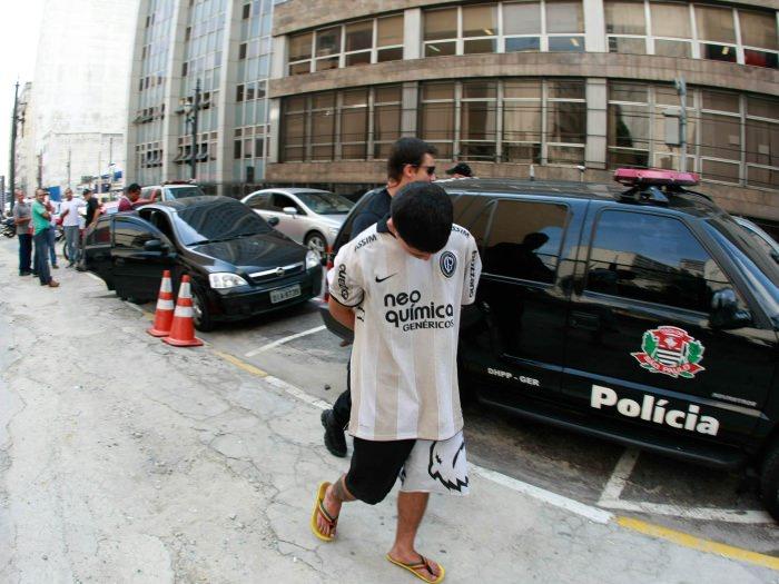 Vizinho de Bolsonaro, acusado de matar Marielle, é preso e vira vizinho de Lula