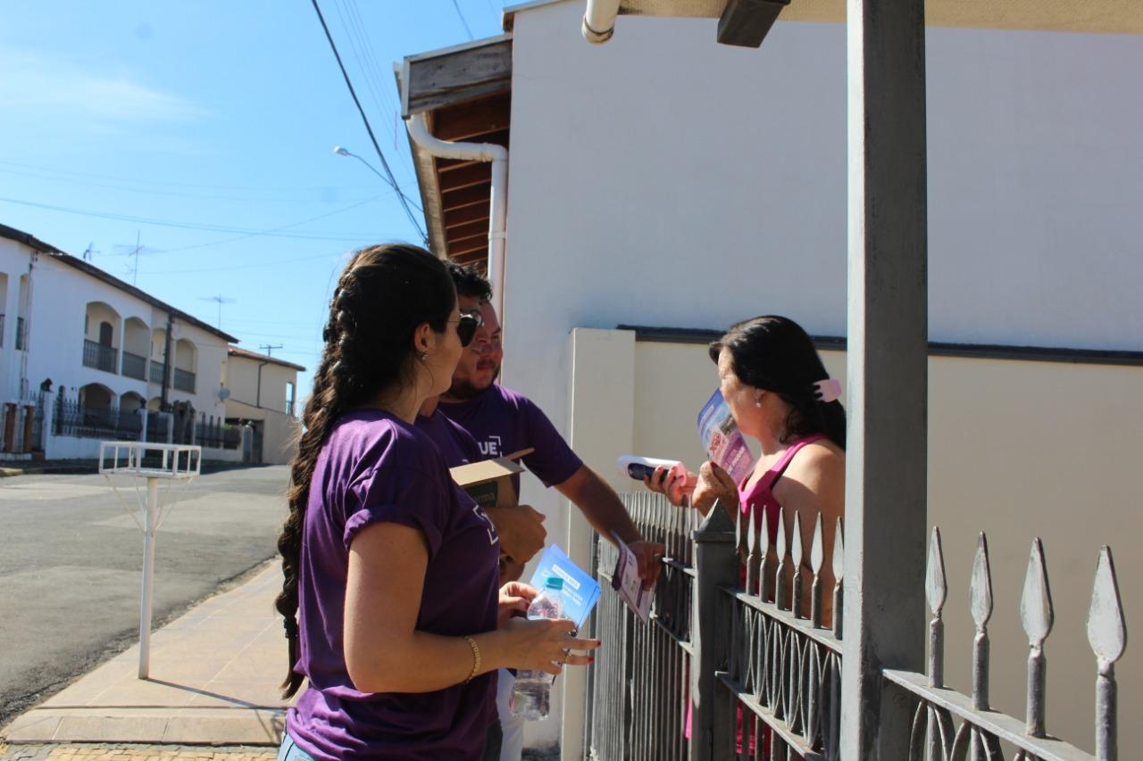 Agentes de saúde visitam 22 bairros em campanha contra a dengue