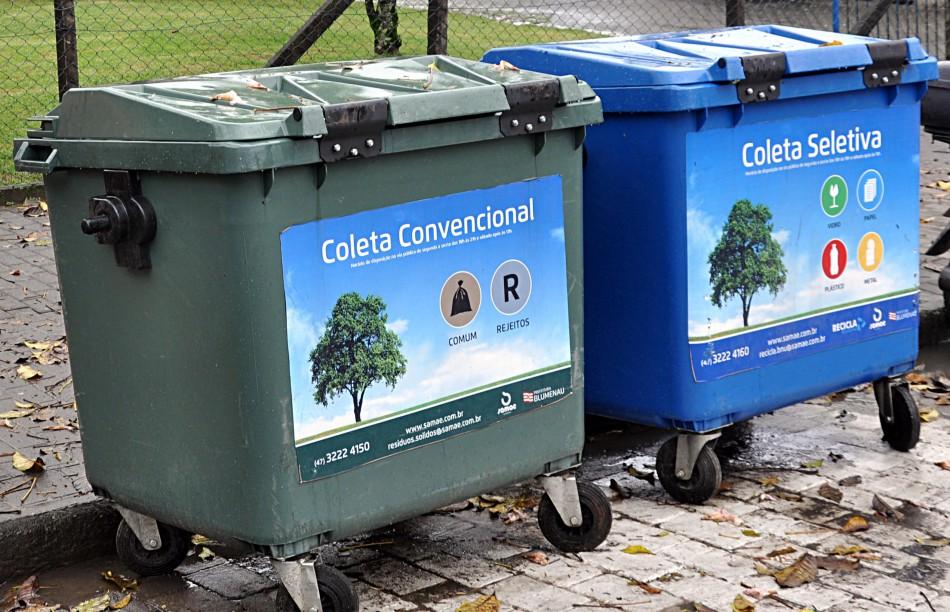 RAFARD: empresa promete coletar reciclagem no carnaval, porém envia mensagens dizendo que não irá mais