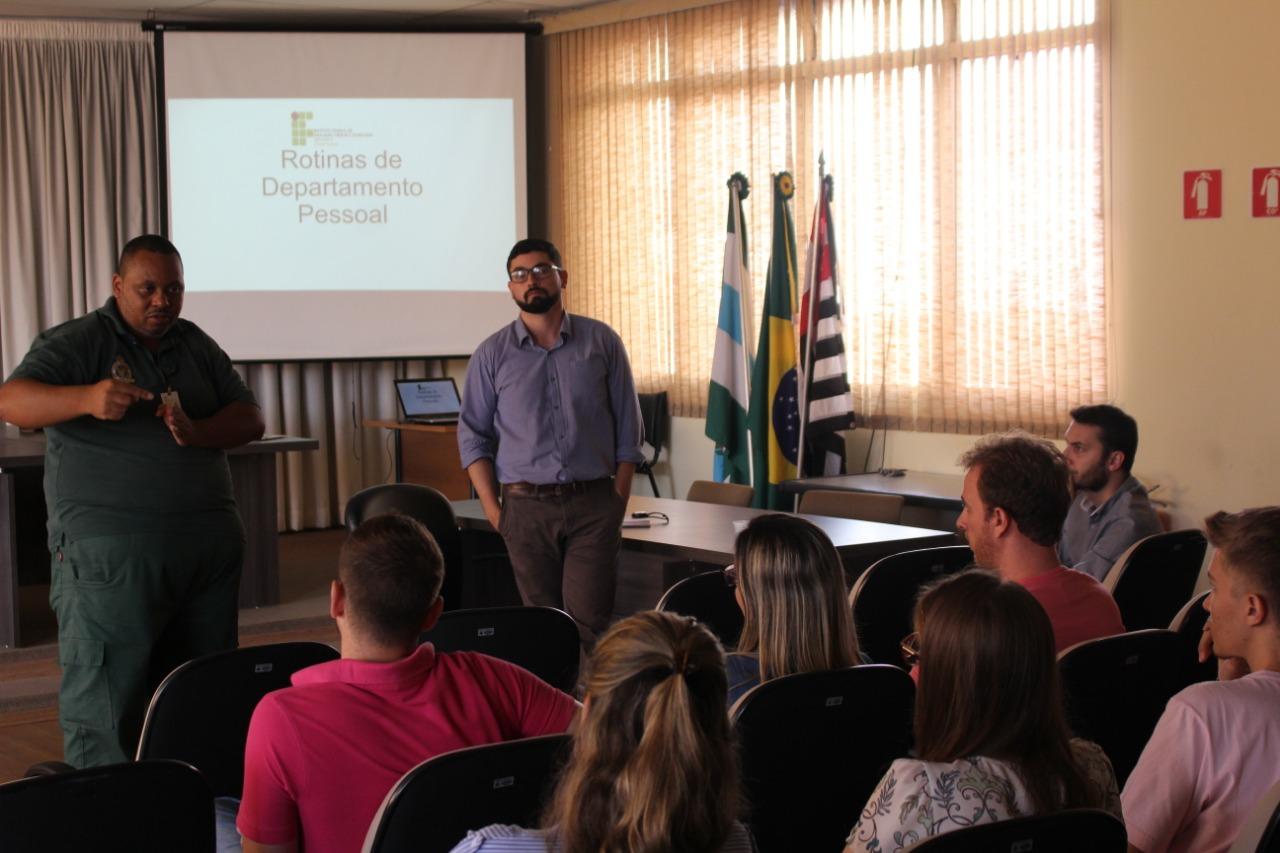 Servidores públicos municipais passam por capacitação em recursos humanos pelo IFSP