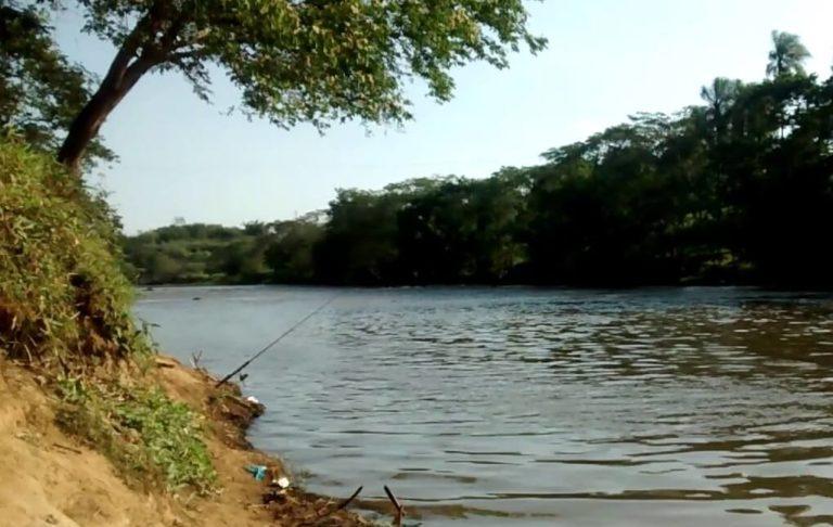 Corpo de homem é encontrado com marcas de tiro e tijolos nos pés no Rio Tietê