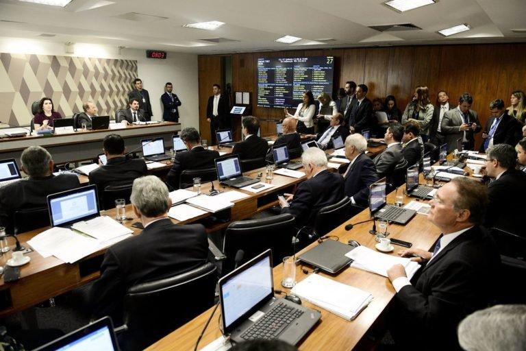 CCJ do Senado decide sustar decreto que flexibiliza porte de armas