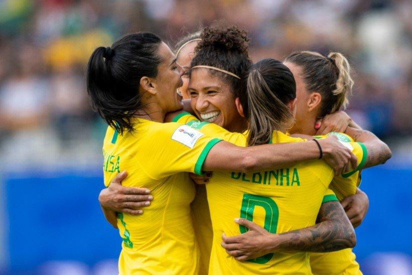 Brasil vence Jamaica por 3 a 0 na estreia da Copa do Mundo feminina