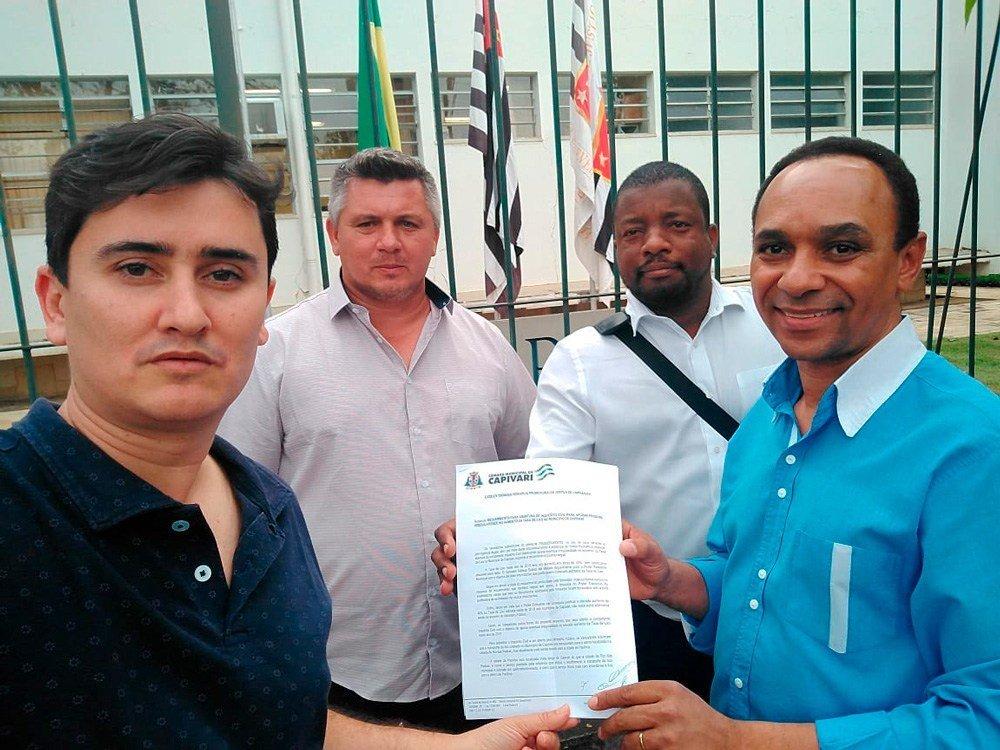 Vereadores vão ao Ministério Público contra taxa do lixo