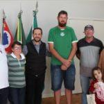 Santa Casa de Capivari recebe doação de alimentos de produtores rurais de Elias Fausto