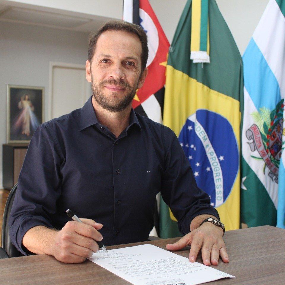 Prefeito Rodrigo Proença concede entrevista ao JCR